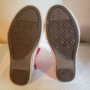 Converse Girl's shoes size 3,Used